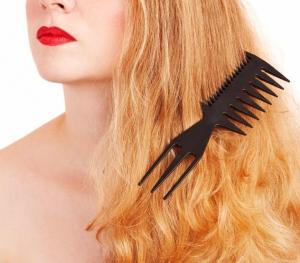 img_remedes_maison_pour_demeler_les_cheveux_5001_300